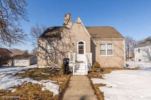 209 W 22nd Street, Cedar Falls, IA 50613 (MLS #20200716) :: Amy Wienands Real Estate