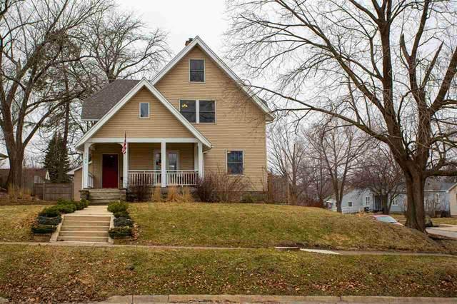1105 Walnut Street, Cedar Falls, IA 50613 (MLS #20201432) :: Amy Wienands Real Estate