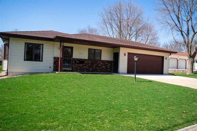 1003 13th Street, Grundy Center, IA 50638 (MLS #20201524) :: Amy Wienands Real Estate