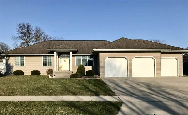 310 Croell Drive, New Hampton, IA 50659 (MLS #20201544) :: Amy Wienands Real Estate