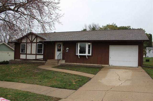 808 NW 9TH Avenue, Waverly, IA 50677 (MLS #20201584) :: Amy Wienands Real Estate