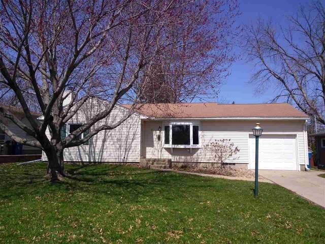 913 Wisner Drive, Waterloo, IA 50702 (MLS #20201590) :: Amy Wienands Real Estate