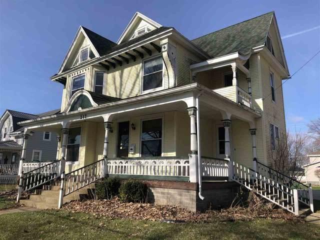 217 S Locust Street, New Hampton, IA 50659 (MLS #20201702) :: Amy Wienands Real Estate