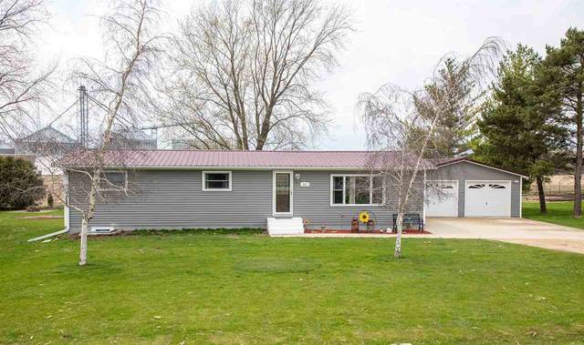 317 39th St Ne, Waverly, IA 50677 (MLS #20202005) :: Amy Wienands Real Estate