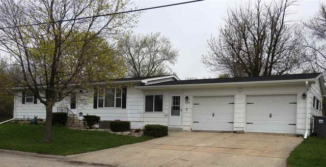 201 NE 4th Street, Oelwein, IA 50662 (MLS #20202056) :: Amy Wienands Real Estate