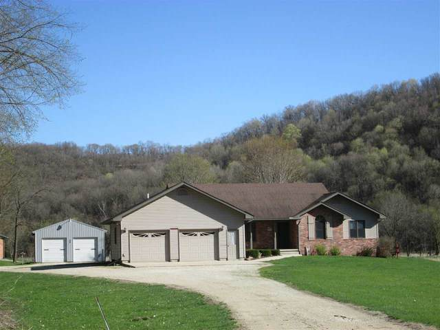 239 Valley View Drive, Dorchester, IA 52140 (MLS #20202097) :: Amy Wienands Real Estate