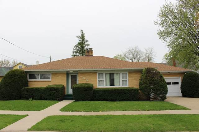 135 Liberty Street, Manchester, IA 52057 (MLS #20202119) :: Amy Wienands Real Estate