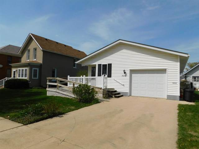 328 E 2nd Avenue, Cresco, IA 52136 (MLS #20202207) :: Amy Wienands Real Estate