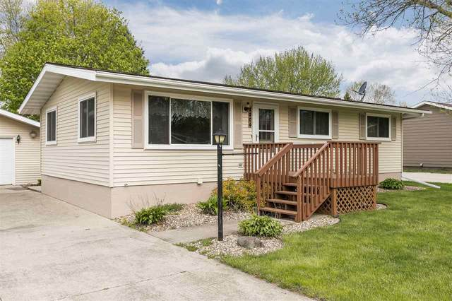 1204 N 5th, Manchester, IA 52057 (MLS #20202291) :: Amy Wienands Real Estate