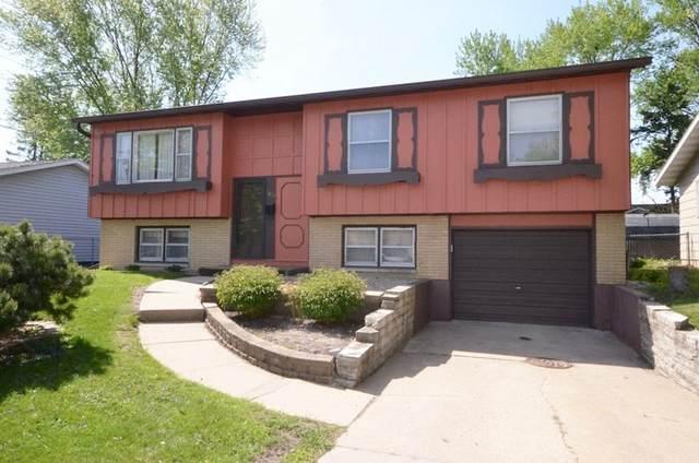 1655 Woodmayr Drive, Waterloo, IA 50703 (MLS #20202294) :: Amy Wienands Real Estate