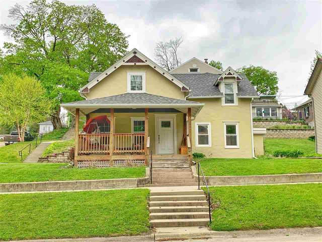 307 S Mill Street, Decorah, IA 52101 (MLS #20202360) :: Amy Wienands Real Estate