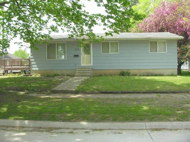 301 S 2nd Street, Osage, IA 50461 (MLS #20202393) :: Amy Wienands Real Estate