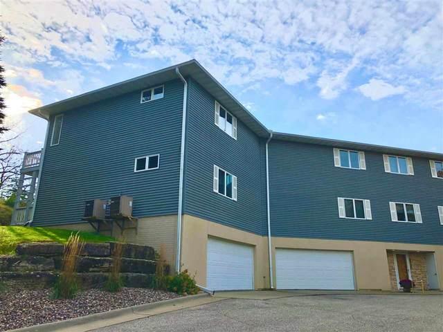 504 Locust Road, Decorah, IA 52101 (MLS #20202429) :: Amy Wienands Real Estate