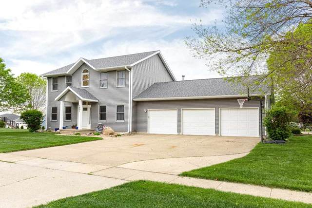 1801 Donald Drive, Cedar Falls, IA 50613 (MLS #20202488) :: Amy Wienands Real Estate