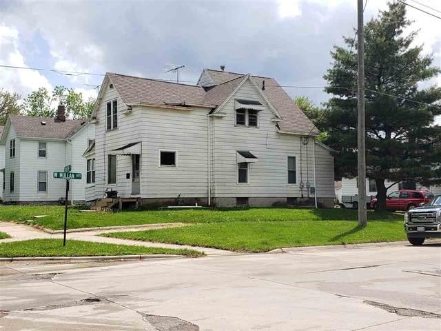 102 South Street, Waterloo, IA 50701 (MLS #20202491) :: Amy Wienands Real Estate