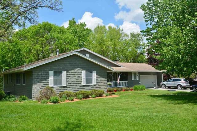805 Linden Street, Decorah, IA 52101 (MLS #20202508) :: Amy Wienands Real Estate