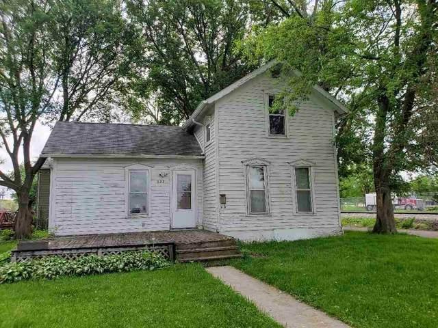 327 W 12th Street, Waterloo, IA 50702 (MLS #20202533) :: Amy Wienands Real Estate