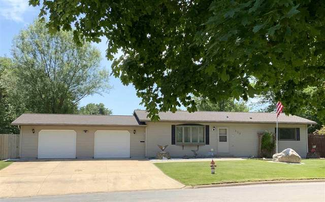 308 E Avenue, Grundy Center, IA 50638 (MLS #20203025) :: Amy Wienands Real Estate