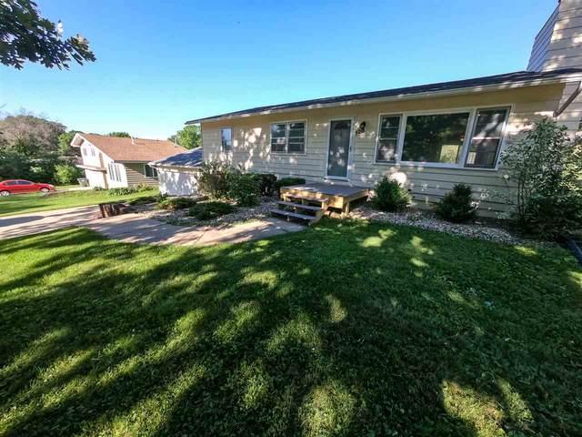 128 Spieker Road, Waterloo, IA 50701 (MLS #20203080) :: Amy Wienands Real Estate