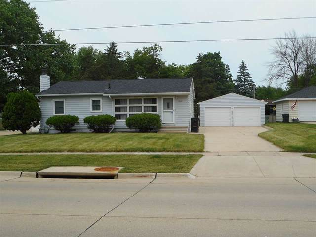 1500 Orchard Drive, Cedar Falls, IA 50613 (MLS #20203166) :: Amy Wienands Real Estate