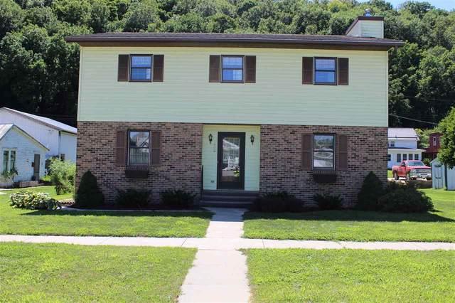 202 SW Second Street, Elkader, IA 52043 (MLS #20203725) :: Amy Wienands Real Estate