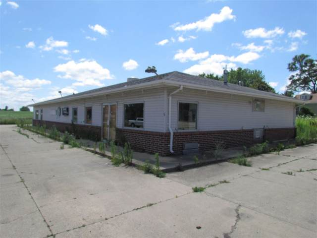 5-9 N Elk Run Road, Waterloo, IA 50703 (MLS #20203900) :: Amy Wienands Real Estate