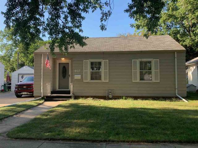 607 7th Avenue, Charles City, IA 50616 (MLS #20203902) :: Amy Wienands Real Estate