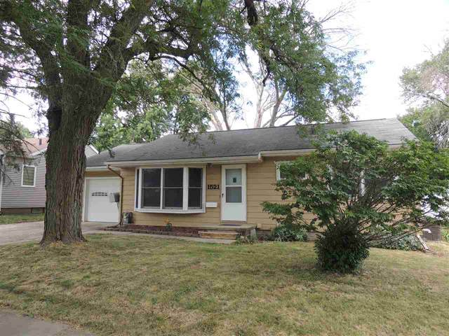 1521 E Mitchell Avenue, Waterloo, IA 50702 (MLS #20203904) :: Amy Wienands Real Estate