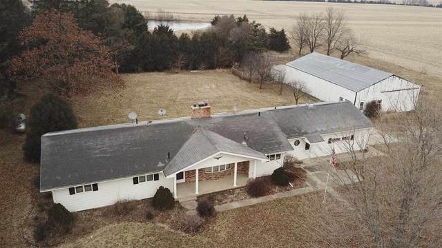 9831 Hammond Avenue, Waterloo, IA 50701 (MLS #20203920) :: Amy Wienands Real Estate