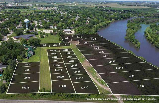 Whitetail Bluff Lot 33, Waverly, IA 50677 (MLS #20204142) :: Amy Wienands Real Estate