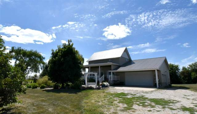 7035 N Pilot Grove Road, Dunkerton, IA 50626 (MLS #20204177) :: Amy Wienands Real Estate