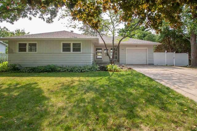 1912 W 3rd Street, Cedar Falls, IA 50613 (MLS #20204827) :: Amy Wienands Real Estate