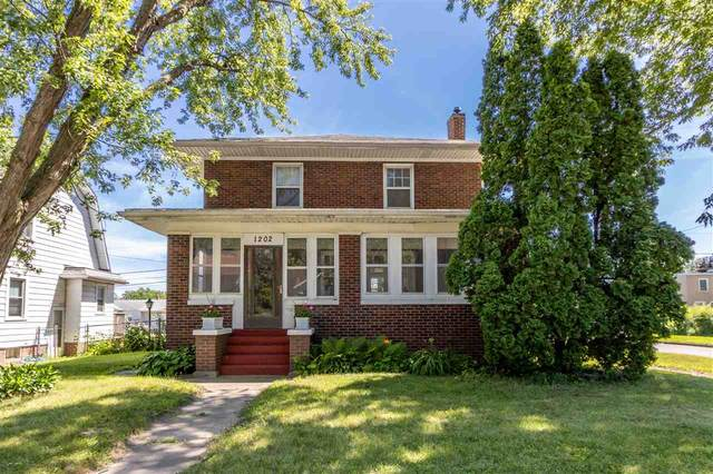1202 Independence Avenue, Waterloo, IA 50703 (MLS #20205132) :: Amy Wienands Real Estate