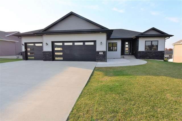 1924 Vera Way, Cedar Falls, IA 50613 (MLS #20205149) :: Amy Wienands Real Estate