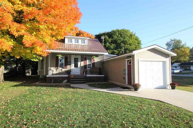 804 E Union Street, Manchester, IA 52057 (MLS #20205163) :: Amy Wienands Real Estate