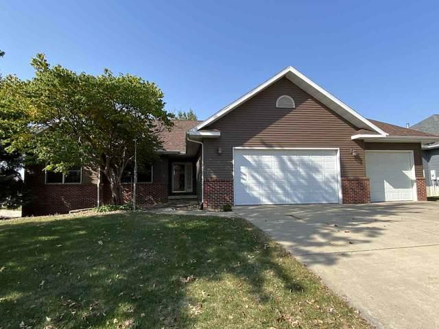 4301 Knoll Ridge Drive, Cedar Falls, IA 50613 (MLS #20205181) :: Amy Wienands Real Estate