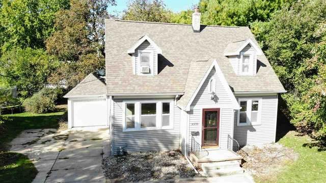 1009 College Street, Cedar Falls, IA 50613 (MLS #20205204) :: Amy Wienands Real Estate