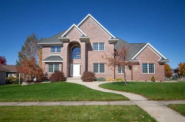 2624 Glen Oaks Drive, Cedar Falls, IA 50613 (MLS #20205272) :: Amy Wienands Real Estate