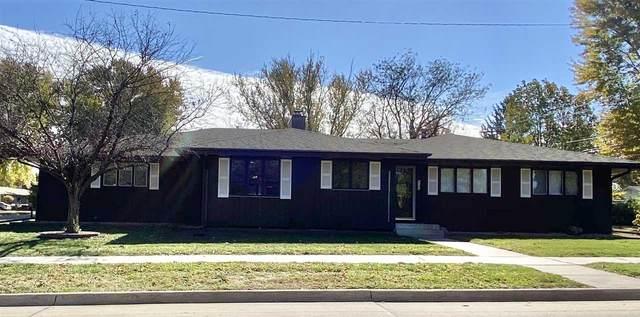 2122 Crescent Dr, Cedar Falls, IA 50613 (MLS #20205321) :: Amy Wienands Real Estate