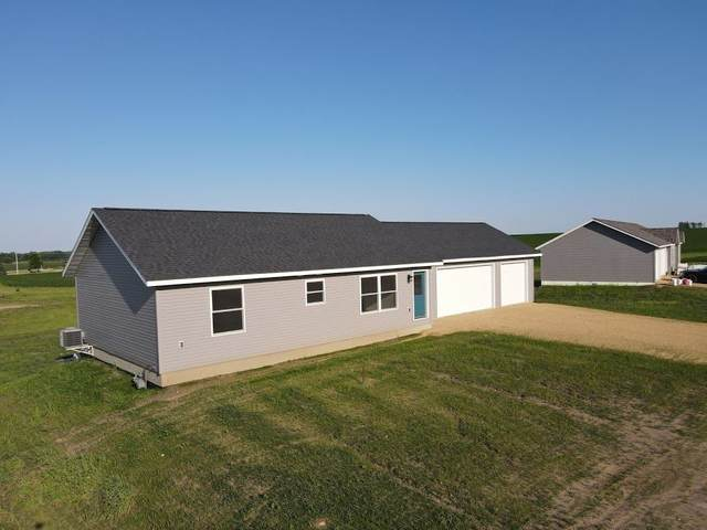 105 Langreck Lane, Lawler, IA 52154 (MLS #20205325) :: Amy Wienands Real Estate
