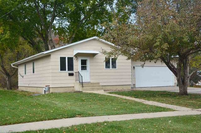 807 S Mill Street, Decorah, IA 52101 (MLS #20205430) :: Amy Wienands Real Estate