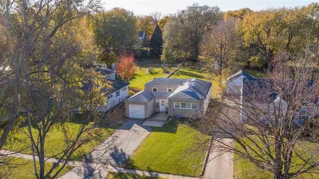 1828 W 6th Street, Waterloo, IA 50702 (MLS #20205546) :: Amy Wienands Real Estate
