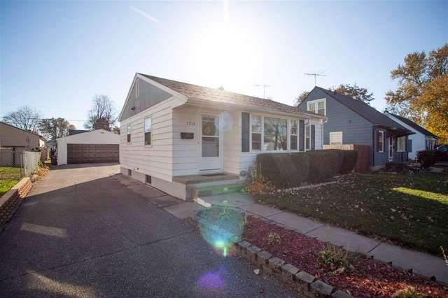1212 Byron Avenue, Waterloo, IA 50702 (MLS #20205589) :: Amy Wienands Real Estate