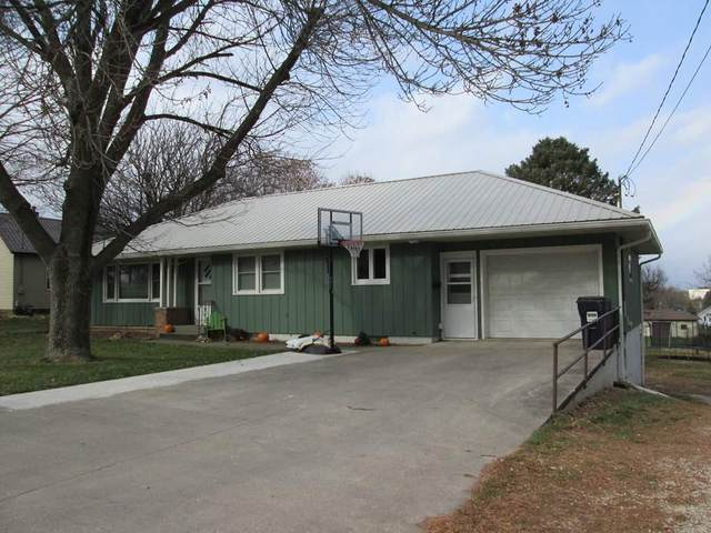 333 E Plum Street, West Union, IA 52175 (MLS #20205680) :: Amy Wienands Real Estate