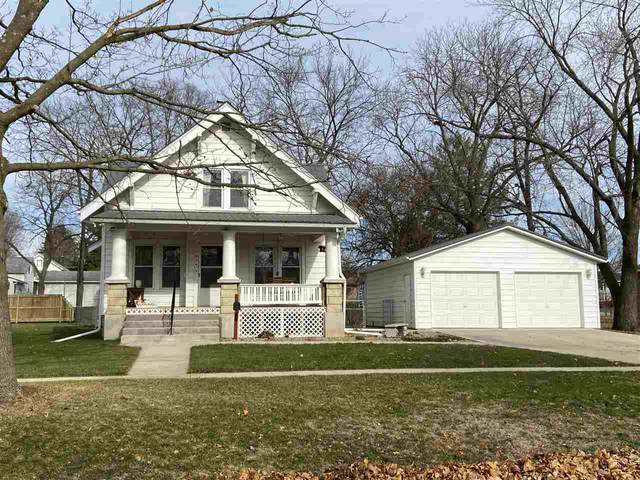 824 E Howard Street, Manchester, IA 52057 (MLS #20205745) :: Amy Wienands Real Estate