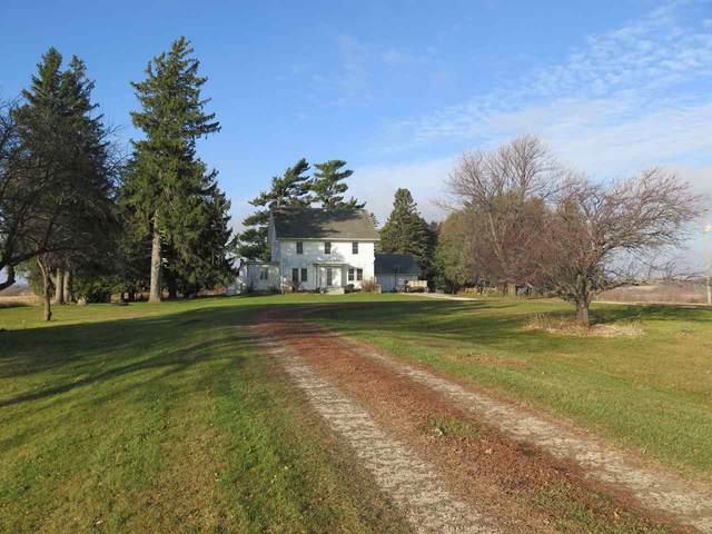 2455 Glenville Road, Decorah, IA 52101 (MLS #20205885) :: Amy Wienands Real Estate