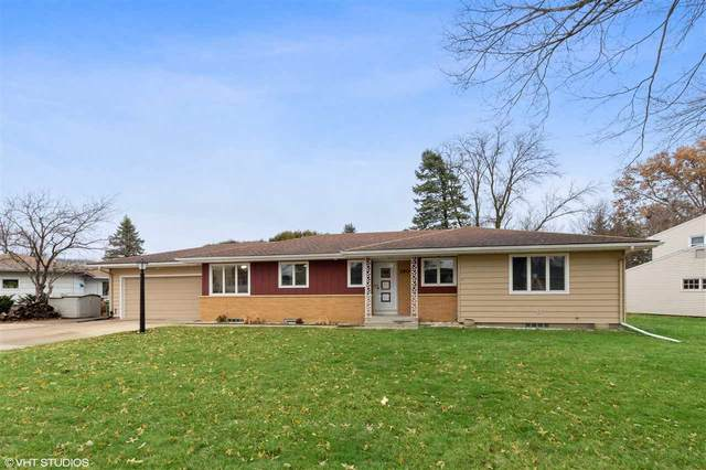 1904 NW 1st Avenue, Waverly, IA 50677 (MLS #20205917) :: Amy Wienands Real Estate