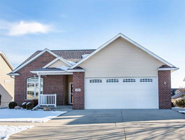 1501 Stone Lane, Waverly, IA 50677 (MLS #20206108) :: Amy Wienands Real Estate