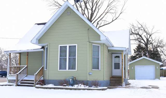 813 E Fayette Street, Manchester, IA 52057 (MLS #20206147) :: Amy Wienands Real Estate