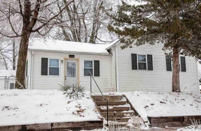 216 2nd St. Ne, Waverly, IA 50677 (MLS #20210017) :: Amy Wienands Real Estate